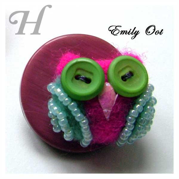 Emily Oot - owlet felt brooch