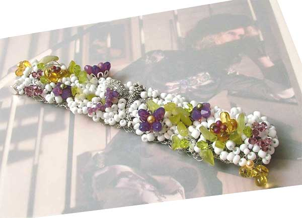 Crochet wire bracelet with Swarovski Elements
