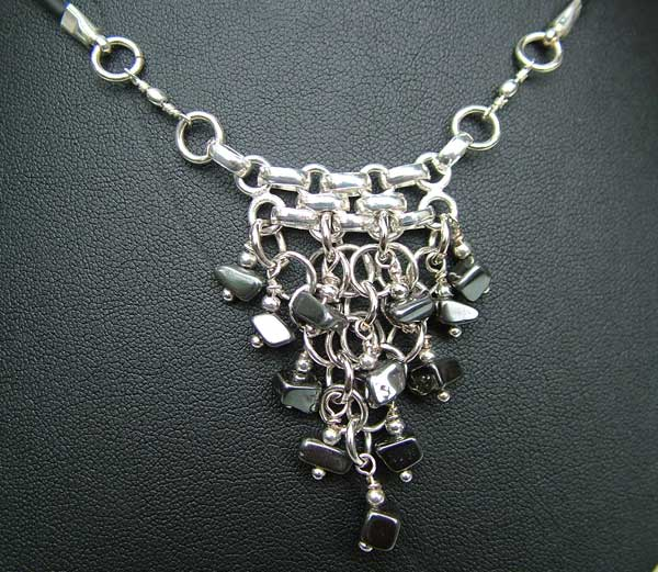 Triangulation Hematite - chain maille jewelry
