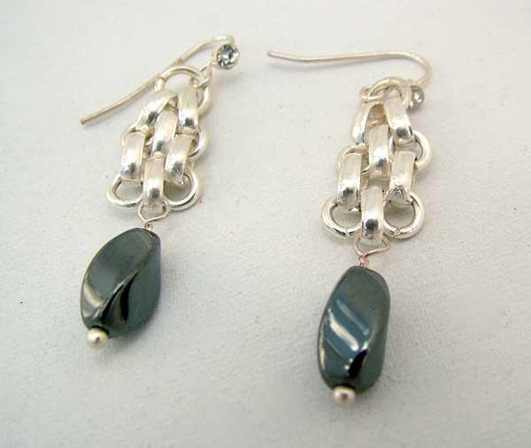 Triangulation Hematite - chain maille jewelry