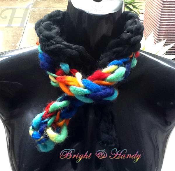 Bright and Handy finger knitted woolen scarf