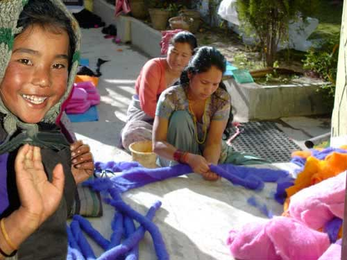 community of Nepalese yarn workers