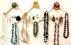 how to organise earrings